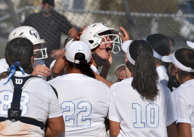 Crescenta Valley softball shocks Arcadia with a come-from-behind win in the seventh