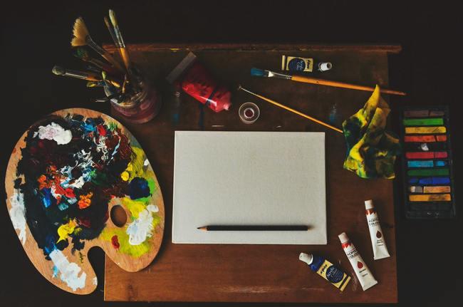 Assorted-color Artwork Equipment Set