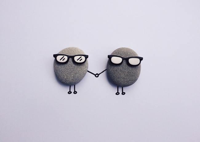 Gray Round Foam With Sunglasses
