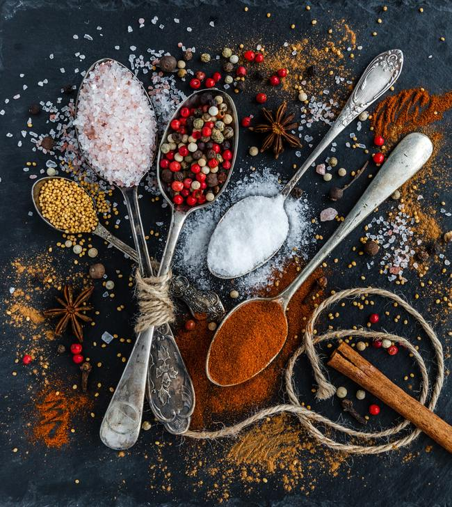 Spoons With Seasonings