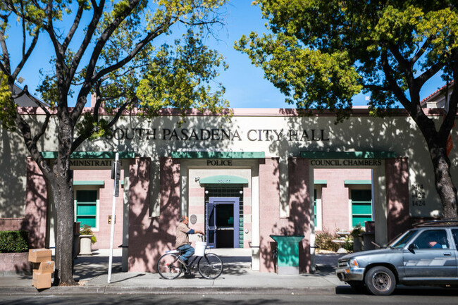 South Pasadena sued for failing to release employee pay records for 225 days