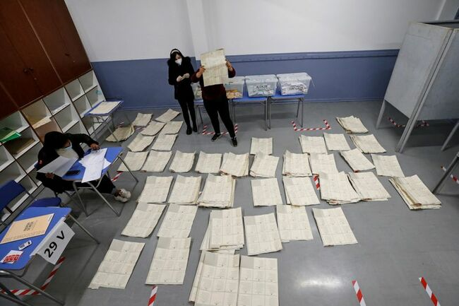 Chile ruling coalition heading for disappointment in constitutional delegates vote