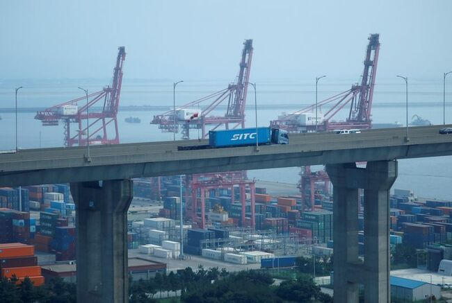 S.Korea May exports at full throttle, set fastest pace in 32 years