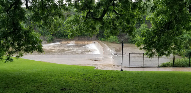 City temporarily closes Barton Springs Pool due to flooding