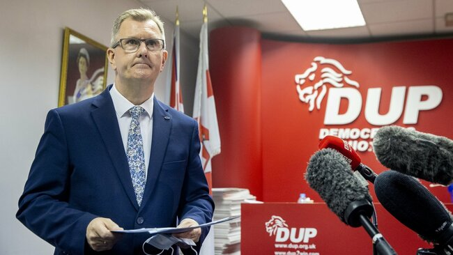 Donaldson expected to declare DUP leadership bid