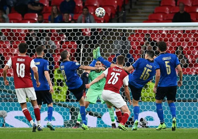 Analysis: Soccer-Super subs to the rescue as Italy draw strength from the collective
