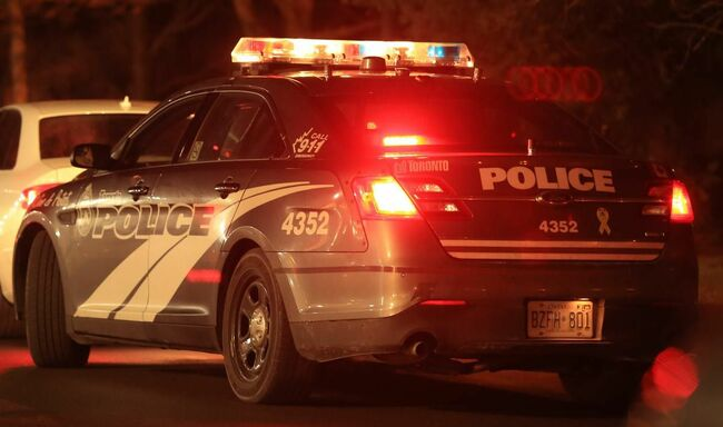 Man suffers serious injuries after shooting in Toronto's west end