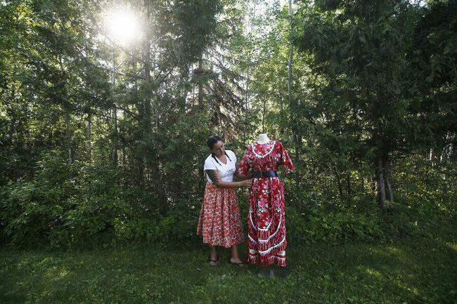 Clothing designer draws on Ojibwa heritage for vibrant clothing