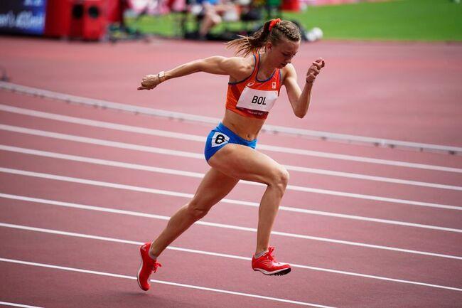 Olympics-Athletics-Triumvirate keep 400m women's hurdles showdown on track