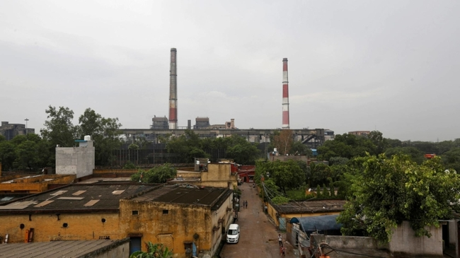 Despite climate concerns, India may build new coal plants due to low cost
