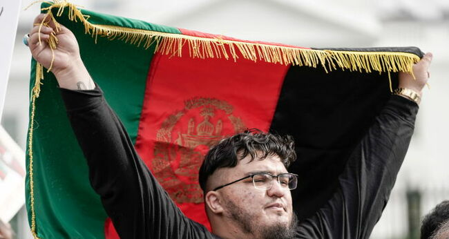 Hundreds Participate in Rally in Washington DC in Support of Afghan People