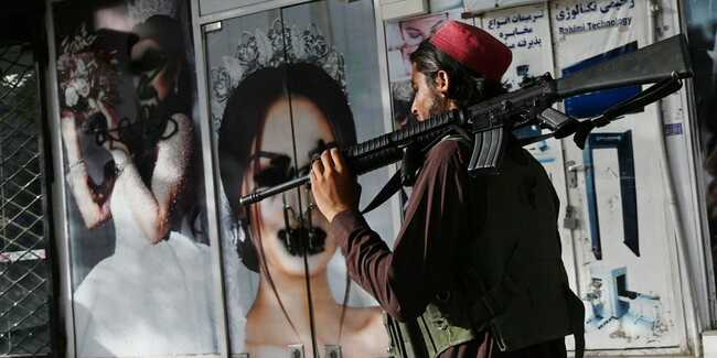 Striking photo from Kabul shows why so many Afghan women fear for their future under Taliban rule