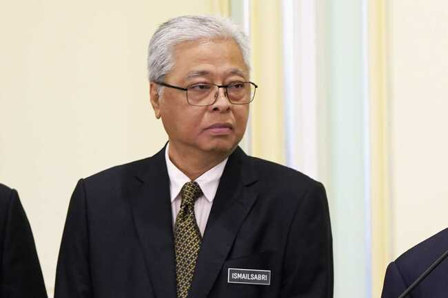 Malaysia's longest-ruling party seems set to return to PM