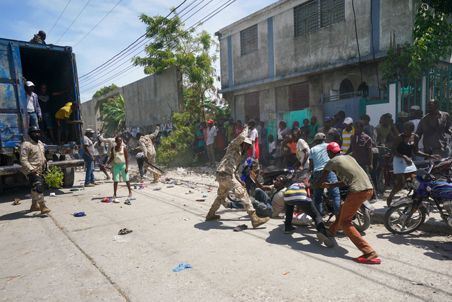 Situation deteriorates further in battered, starving Haiti