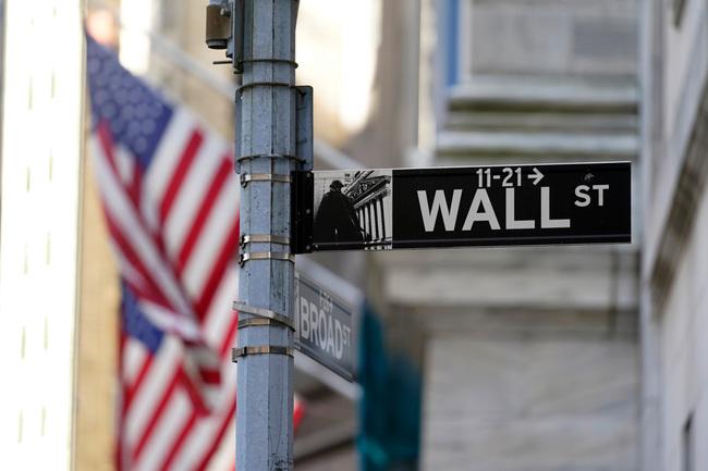 Stocks' valuations near 2000 high