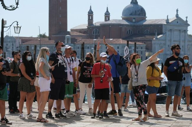 Venice prepares to charge tourists, require booking