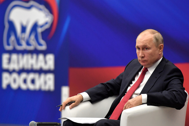 Vladimir Putin set to self-isolate after member of entourage tests positive for Covid