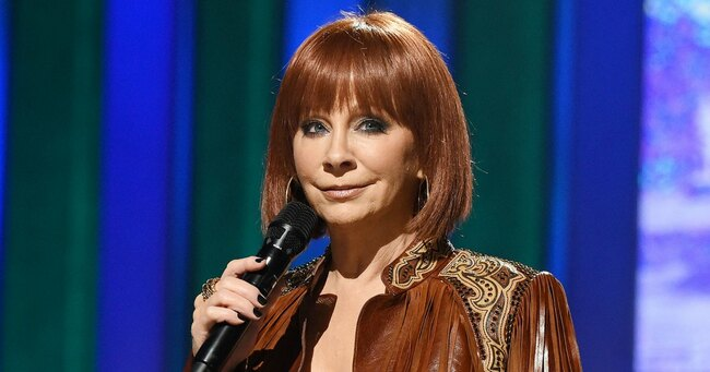 Reba McEntire Gets Rescued From Building After Staircase Collapses