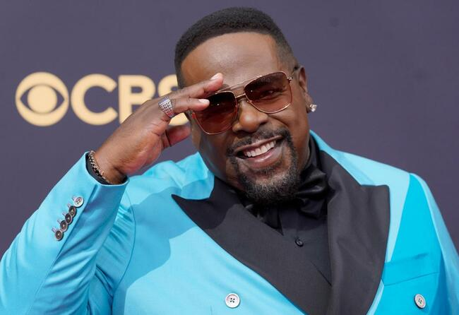 Emmys Latest: Telecast kicks of with a hip-hop sing-a-long