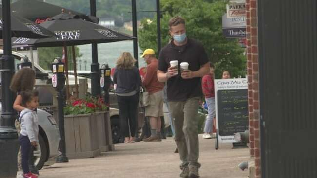 Vaccine passports difficult, but better than closing, say restaurants