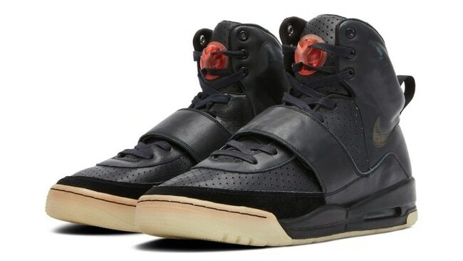 Kanye West's Yeezy sneakers from the Grammy Awards break auction records