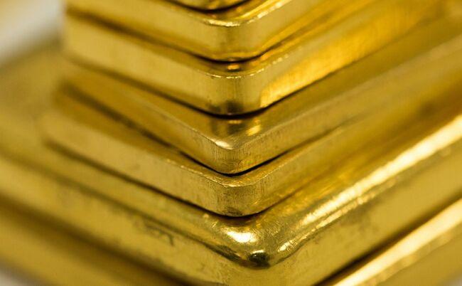 With $1 Billion Monthly Surplus, U.S. Gold Trade Shaking Off Wild 2020