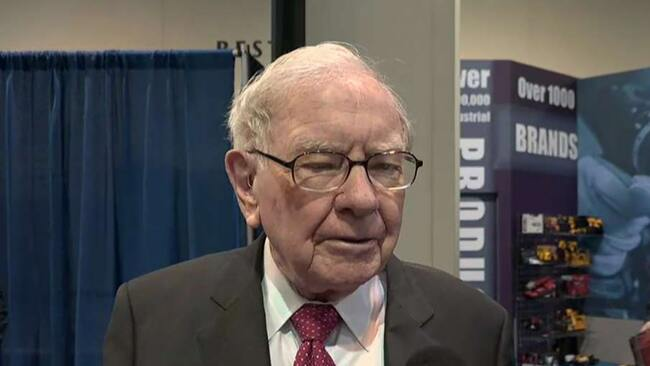 Warren Buffett faces impatient investors as Berkshire Hathaway returns decline