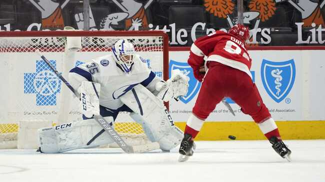 Red Wings outlast Lightning for 1-0 victory in shootout
