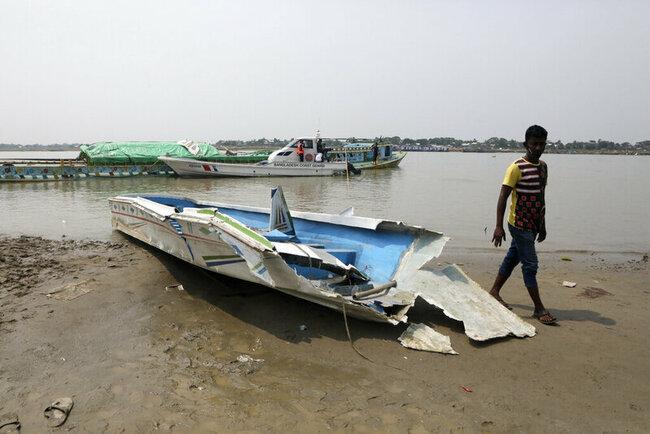 At least 26 die when speedboat overturns in Bangladesh river