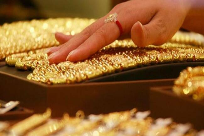 Gold prices top Rs 47,000, silver close to Rs 70,000; here's how gold, silver on MCX may trade today